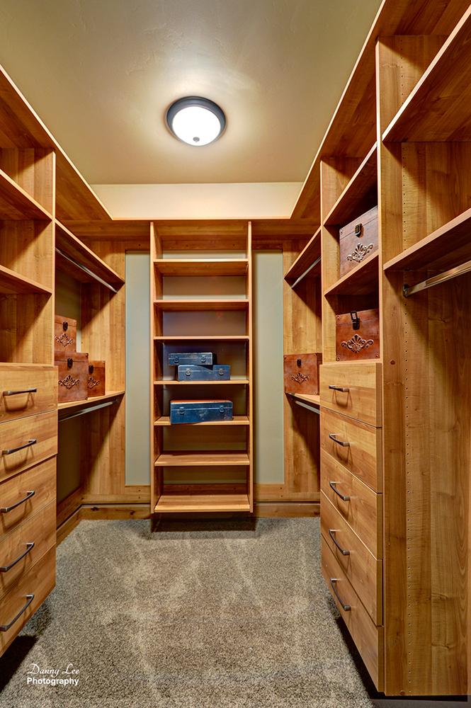 M Closet